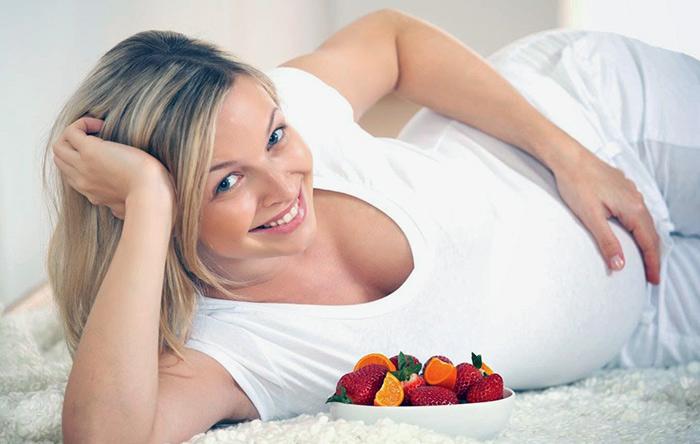 Женщина с ягодами