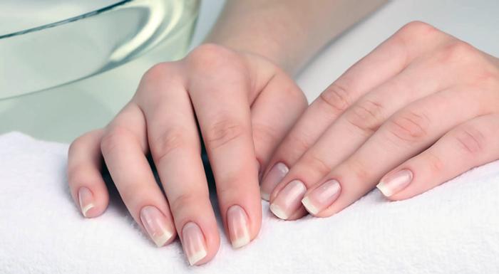 отращенные ногти