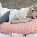 Как правильно выбрать подушку будущим мамочкам?