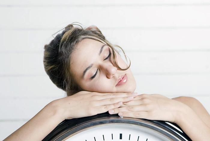 почему все время хочется спать во время диеты